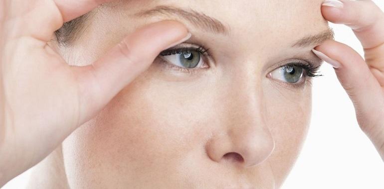Comment recréer les sourcils grâce à la chirurgie esthétique