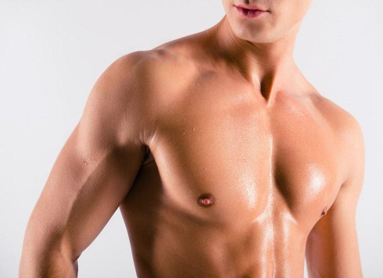 Pose d'implants pectoraux: quels sont les avantages